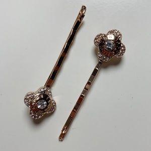 Henri Bendel Flower Bobby Pins Rose Gold Set of 2